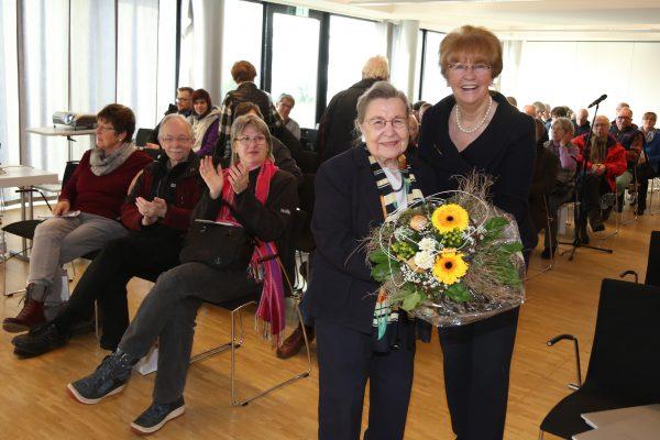Brigitte Hilgert-Becker u. Prof. Ursula Lehr Treffpunkt Ohr